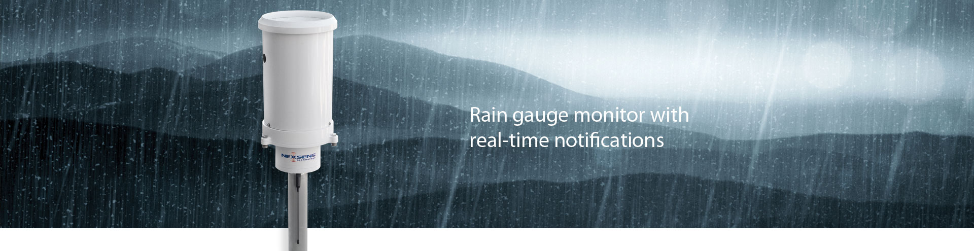 Rain gauge monitor with real-time notifications