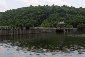 The dam on the Housatonic River that creates Lake Lillinonah, one of the lakes in the GLEON study