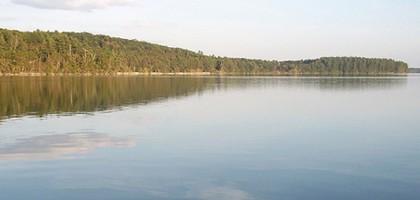Lake Auburn (Credit: Rose Berch, via Flickr)
