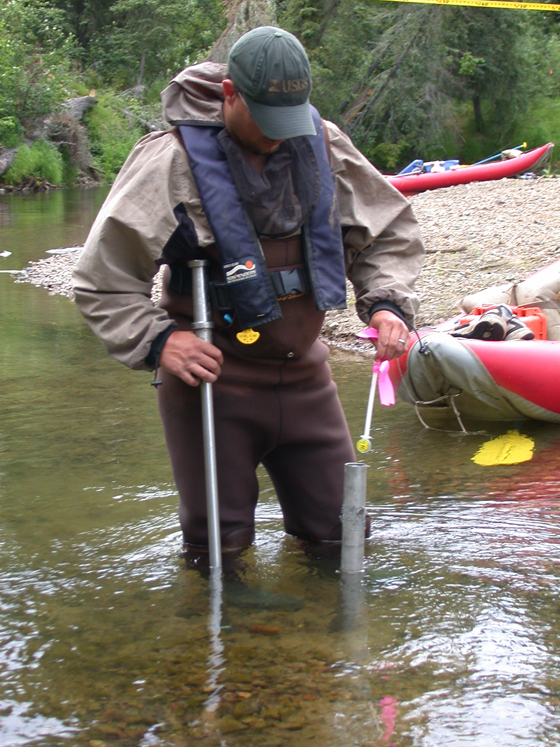 Stream Data Logger : Biologists monitor subsurface water temperature