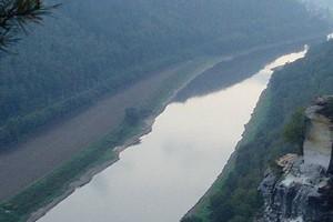 The Elbe River (Credit: Ekem, via Wikimedia Commons)