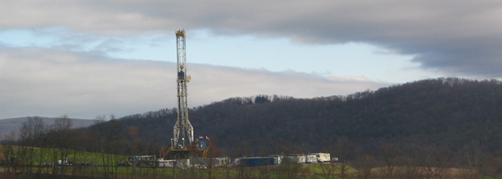 hydraulic fracturing A tower for drilling horizontally into the Marcellus Shale Formation for natural gas in Lycoming County, Penn. (Credit: Ruhrfisch, via Wikimedia Commons)