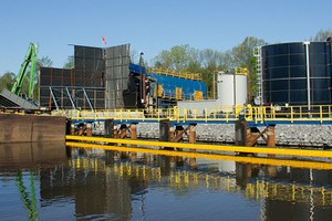 GE dredging on the Hudson River (Credit: Peretz Partensky, via Flickr)