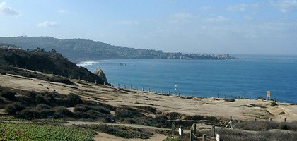 Pacific Coast of San Diego County (Credit: Abeach4u, via Wikimedia Commons)
