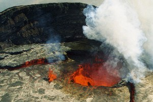 An eruption from one of the vents of Kilauea (Credit: Brean Snelson, via Flickr)