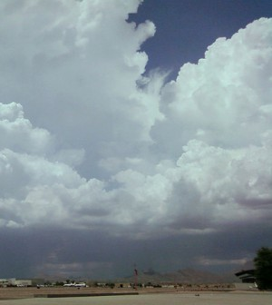 Monsoon clouds in Arizona (Credit: Wikimedia Commons)