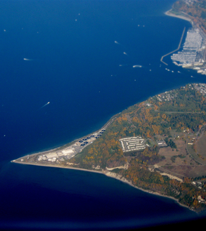 Seattle sewage treatment plant (Credit: Dcoetzee, via Wikimedia Commons)