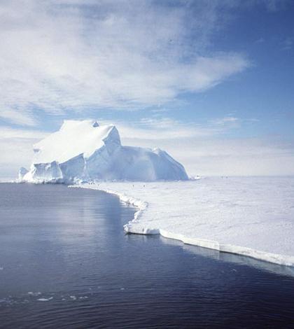 Ice loss in the Arctic (Credit: Ben Holt, Sr., NASA)