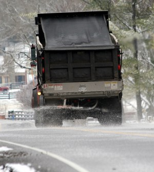A truck spreads road salt in Tennessee (Credit: Daniel Johnson, via Flickr)