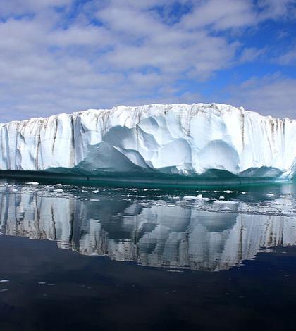 Greenland Ice Sheet (Credit: Christine Zenino, Wikimedia Commons)