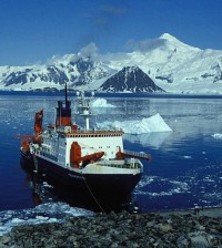 A research vessel, off the Rothera station, one of eight stations that provided temperature data for the study (Credit: Hannes Grobe/Alfred Wegener Institute for Polar and Marine Research)