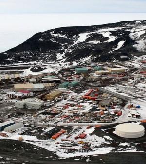 McMurdo Station, Antarctica (Credit: Gaelen Marsden, Wikimedia Commons)