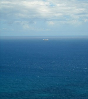 The Pacific Ocean from Diamond Head Crater (Credit: Daniel Ramirez, Wikimedia Commons)