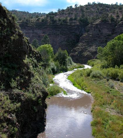 Gila River (Credit: Joe Burgess, Wikimedia Commons)