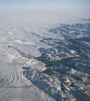 Greenland ice sheet (Credit: Hannes Grobe, via Wikimedia Commons)