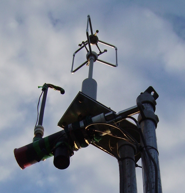 A flux tower's ultrasonic anemometer measures 3d air movement (Credit: Veedar, via Wikimedia Commons)