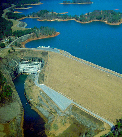 Buford Dam on the Chattahoochee River in northern Georgia, USA. The dam impounds Lake Lanier. (Credit: U.S. Army Corps of Engineers)