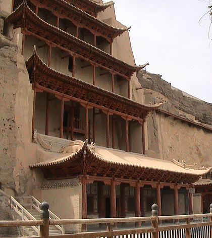 Mogao Caves (Credit: Yaohua2000, via Wikimedia Commons)