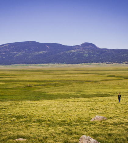 Valles Caldera, N.M., is home to the Jemez Watershed, which will be studied by researchers (Credit: Thomas Shahan, Wikimedia Commons)