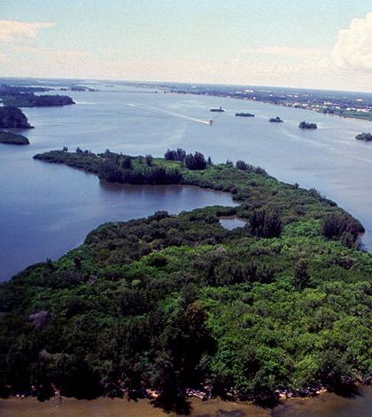 Indian River Lagoon (Credit: U.S. Fish and Wildlife Service, via Wikimedia Commons)