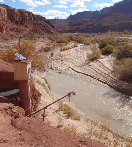 A U.S. Geological Survey monitoring station on the Paria River, a tributary to the Colorado River that provides sediment inputs important for sandbar building (Credit: USGS)