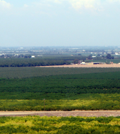 California's San Joaquin Valley and Central Valley. (Credit: Amadscientist, via Wikimedia Commons)
