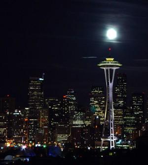 Seattle Skyline at night (Credit: Nova77, via Wikimedia Commons)