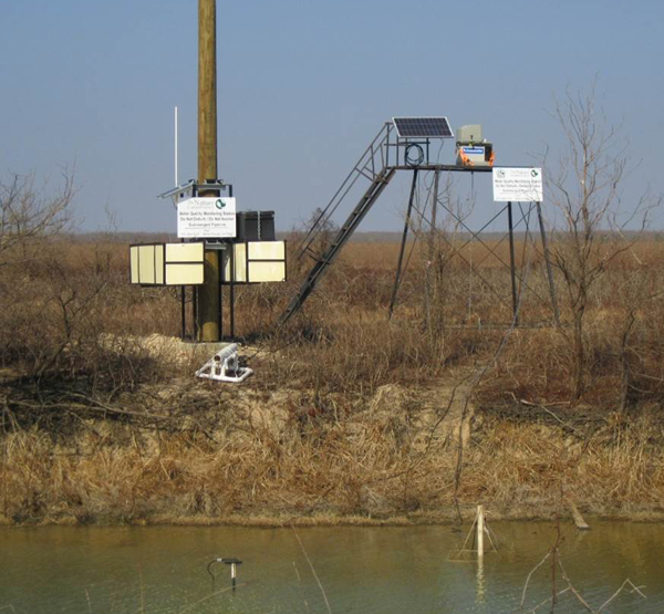 A docked platform during a dry period on the floodplain (Credit: Christopher Rice)
