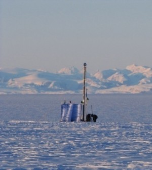 Drill rig used to extract firn cores from within the Greenland firn aquifer. (Credit: Evan Burgess)