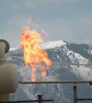 Flaring at a natural gas refinery in Colorado (Credit: Tim Hurst)