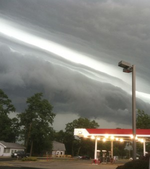 This pciture from LaPorte, Ind. show the leading edge of a derecho that eventually blew over Washington, D.C. (Credit: Kevin Gould / NOAA)