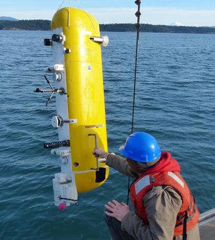 An Ocean Observatories Initiative deep profiler during testing at Friday Harbor (Credit: Tim McGinnis/APL)