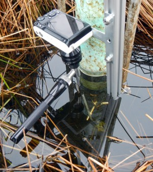 This version of the volumetric particle imager tracks small-scale wetland flow with a Nikon camera, Maglite light source and Hawkeye Pro Hardy borescope. (Credit: Evan Variano)