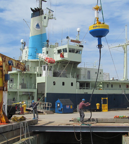 Loading the ESP for deployment (Credit: Woods Hole Oceanographic Institution)