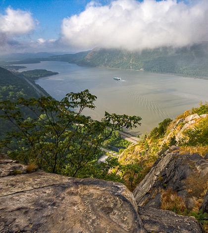 Breakneck Ridge along the Hudson River in the Hudson Highlands in New York. (Credit: Jeffrey Pang, via Flickr)