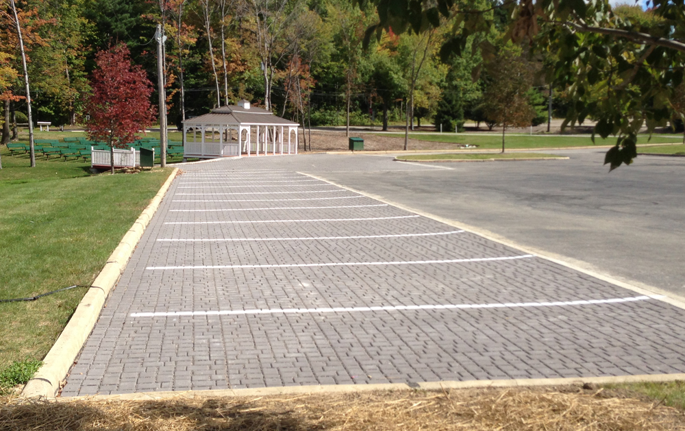 The Willoughby Hills installation features impermeable asphalt draining into permeable interlocking concrete pavement. (Credit: Ryan Winston)