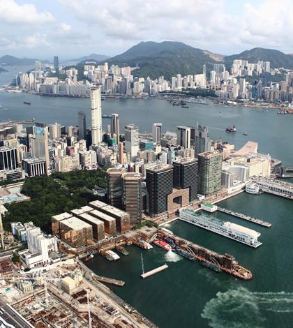 The Hong Kong waterfront (Credit: Gavin LEUNG., via Flickr)