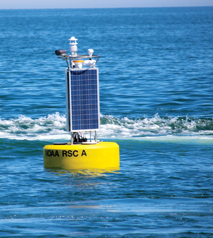The Regional Science Consortium buoy of the shore of Presque Isle State Park in Erie, Pennsylvania (Credit: Doug Nguyen/NexSens Technology)