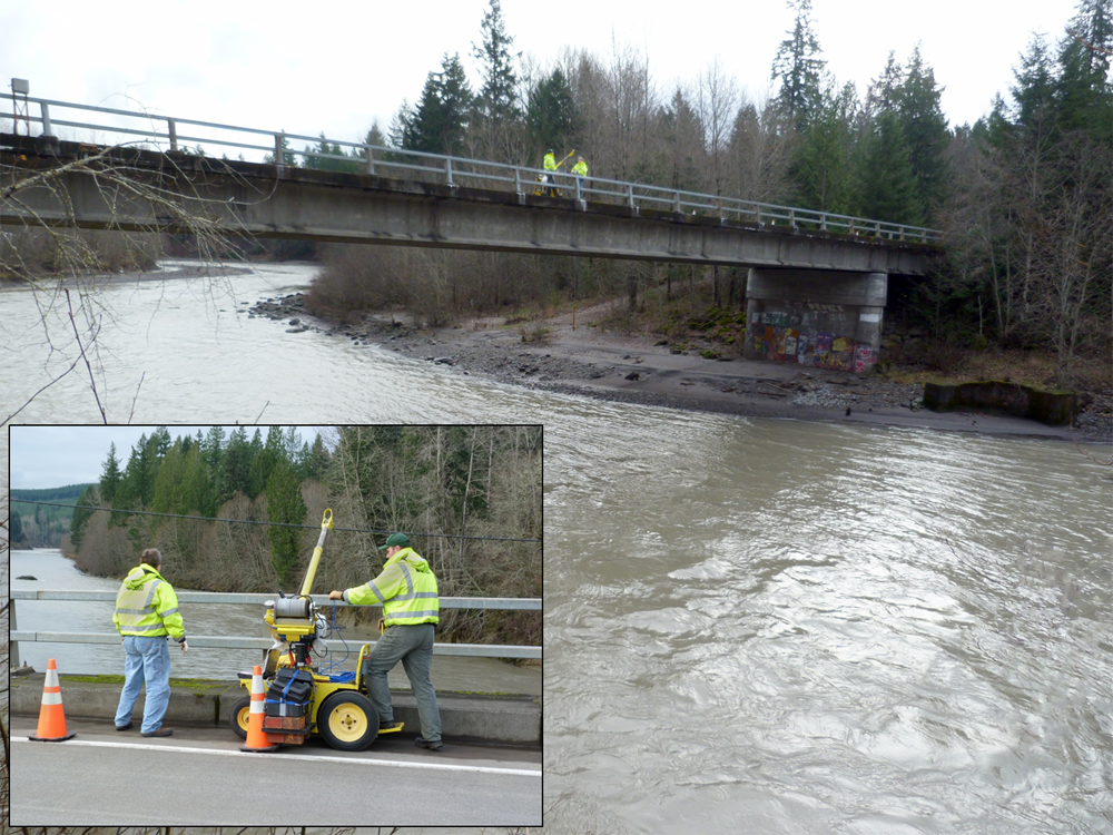 Suspended sediment sampling on the Toutle River (Credit: Kurt Spicer/USGS)