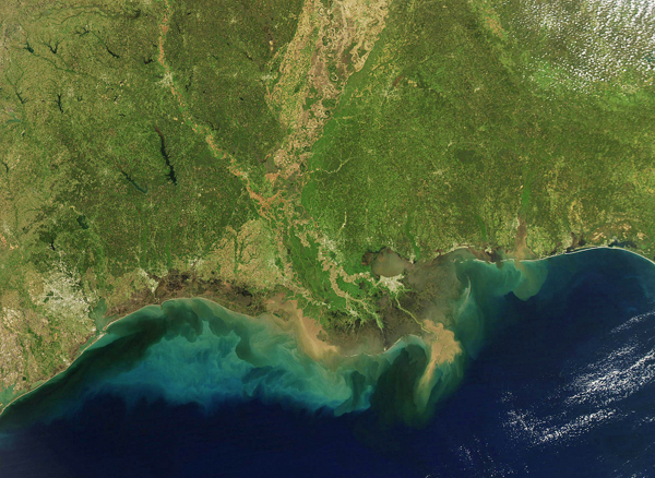 Nutrients flowing off the land, through the tributaries of the Mississippi River and out into the Gulf of Mexico demonstrate how nutrient pollution cuts across multiple federal agencies. (Credit: USGS)