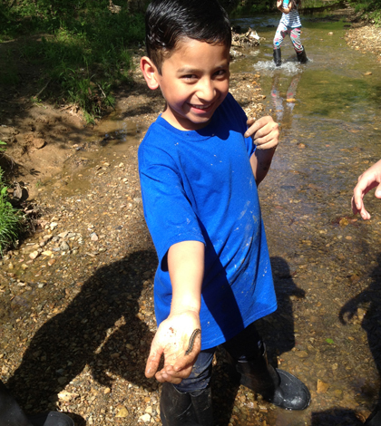 The Creeks Freaks program gets students onto local streams. (Credit: IWLA)