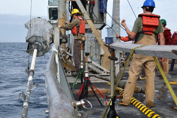 Researchers gather sediment samples off Washington's coast. (Credit: Robert Cannata / UW)