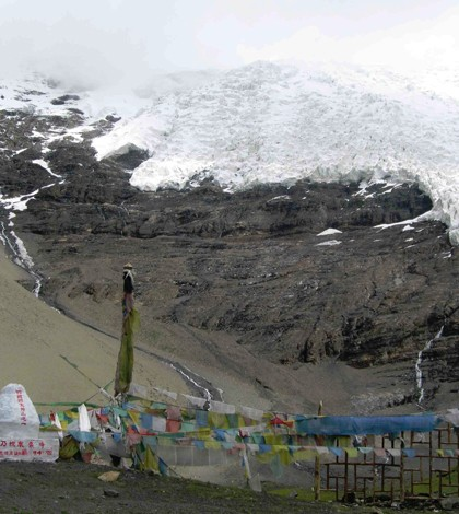 Melting glaciers, like this one in Tibet, could add to carbon levels. (Credit: Robert Spencer / Florida State)