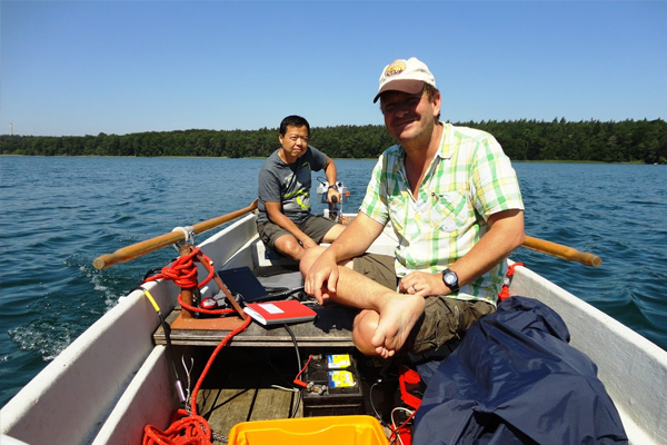 The researchers used a greenhouse gas detector portable enough to operate from a small boat. (Credit: Daniel McGinnis)
