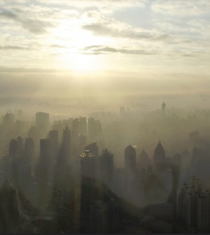 carbon emissions / Nearly half a million people die each year from complications related to China's air pollution. (Credit: BriYYZ/CC BY-SA 2.0)