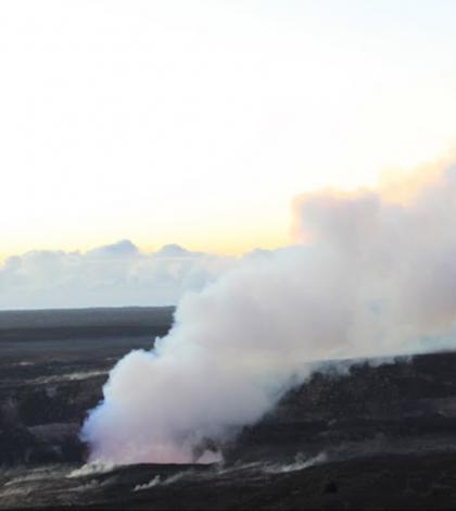 An emissions plume rises off Mount Kilauea. (Credit: Jesse Kroll)