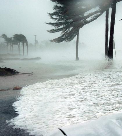 Key West, Florida, during Hurricane Dennis. (Credit: Jim Brooks / U.S. Navy)