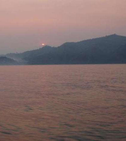 Microbes in Kabuno Bay may give insight on how large iron deposits formed. (Credit: University of British Columbia)