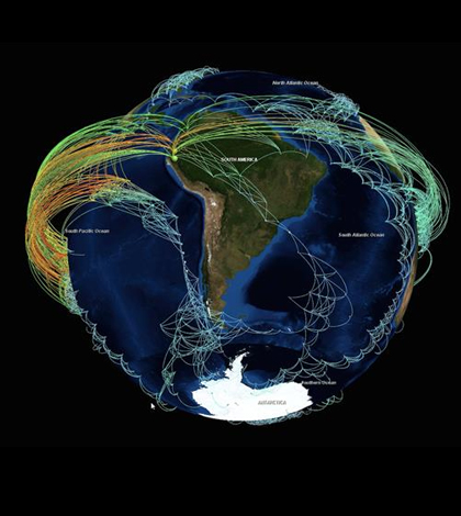 Climate network visualization revealing the backbone structure of strong statistical interrelations between surface air temperature time series all over the globe. (Credit: T. Nocke / PIK Potsdam and C. Tominski / Uni Rostock)