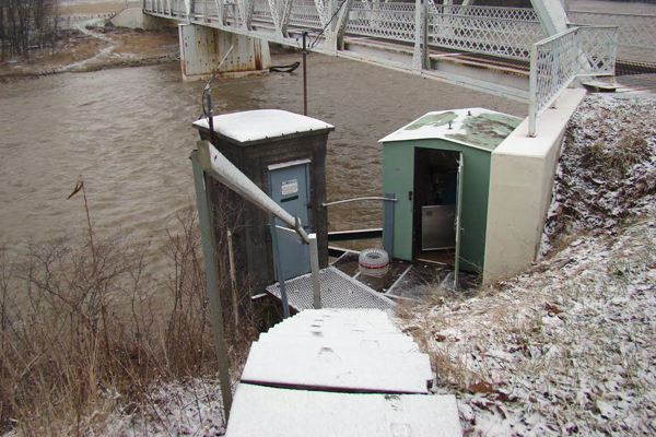 Sampling station on the Sandusky River. (Credit: National Center for Water Quality Research)